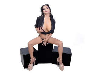 Trans Cams presents: BigBananaJacky - online chat
